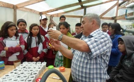 Profesor LLanos en Taller con escolares de Chiguayante
