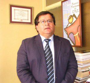 Dr. Cristián Leal
