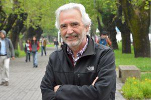 Roberto Burdiles, decano de la Facultad de Arquitectura, Construcción y Diseño