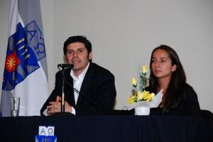 Julián Perret, de Colbún S.A. y Gloria Cárcamo, de Fundación Trascender.
