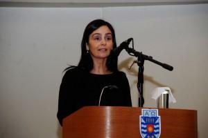 La directora del Departamento de Arte y Tecnologías del Diseño, Jimena Alarcón.