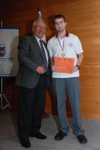 El alumno del Colegio The Thomas Jefferson, José Ignacio Ibieta, obtuvo el primer lugar en las Olimpiadas de Matemática Intercolegios.