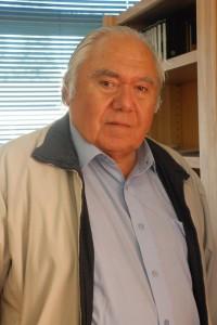 Dr. Mario Solís.